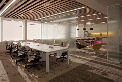 Workstations with natural colours and finishes in London office fit out