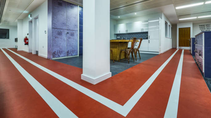 Office floor with race track floor design