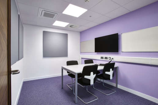 Connected university meeting rooms