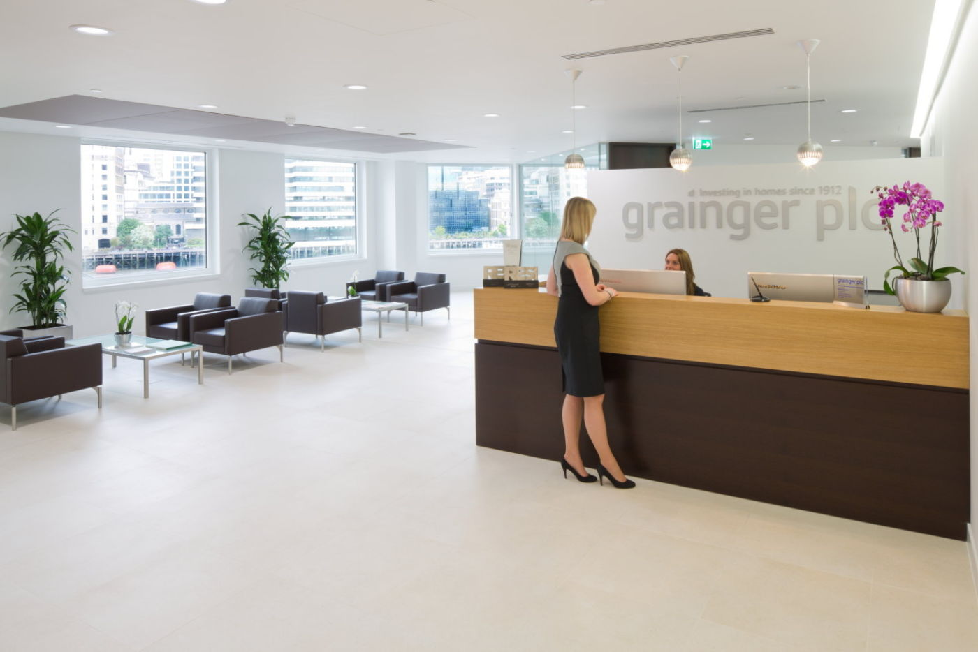 Contemporary reception fit out
