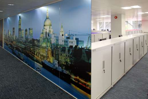 Large wall design of London