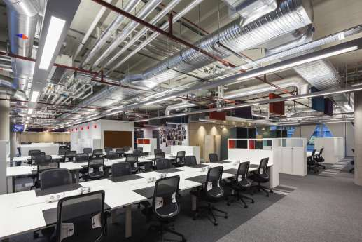 Open plan workstations in modern fit out