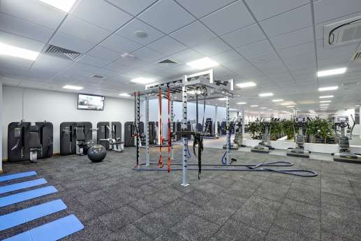 Spacious gym fit out