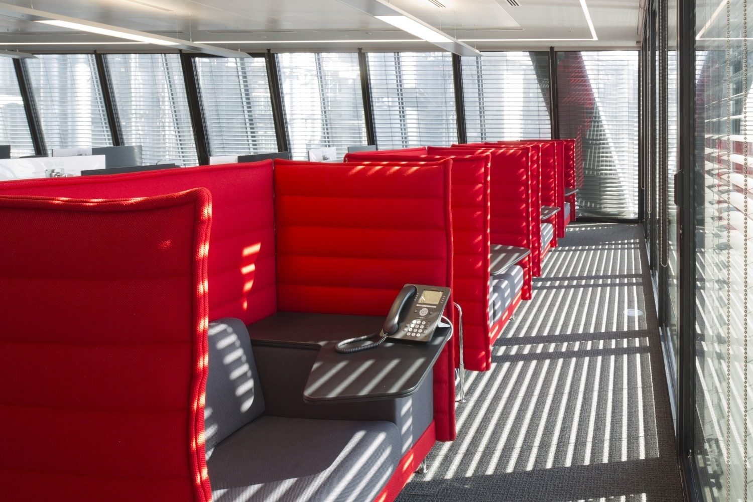 Aon meeting pods fit out