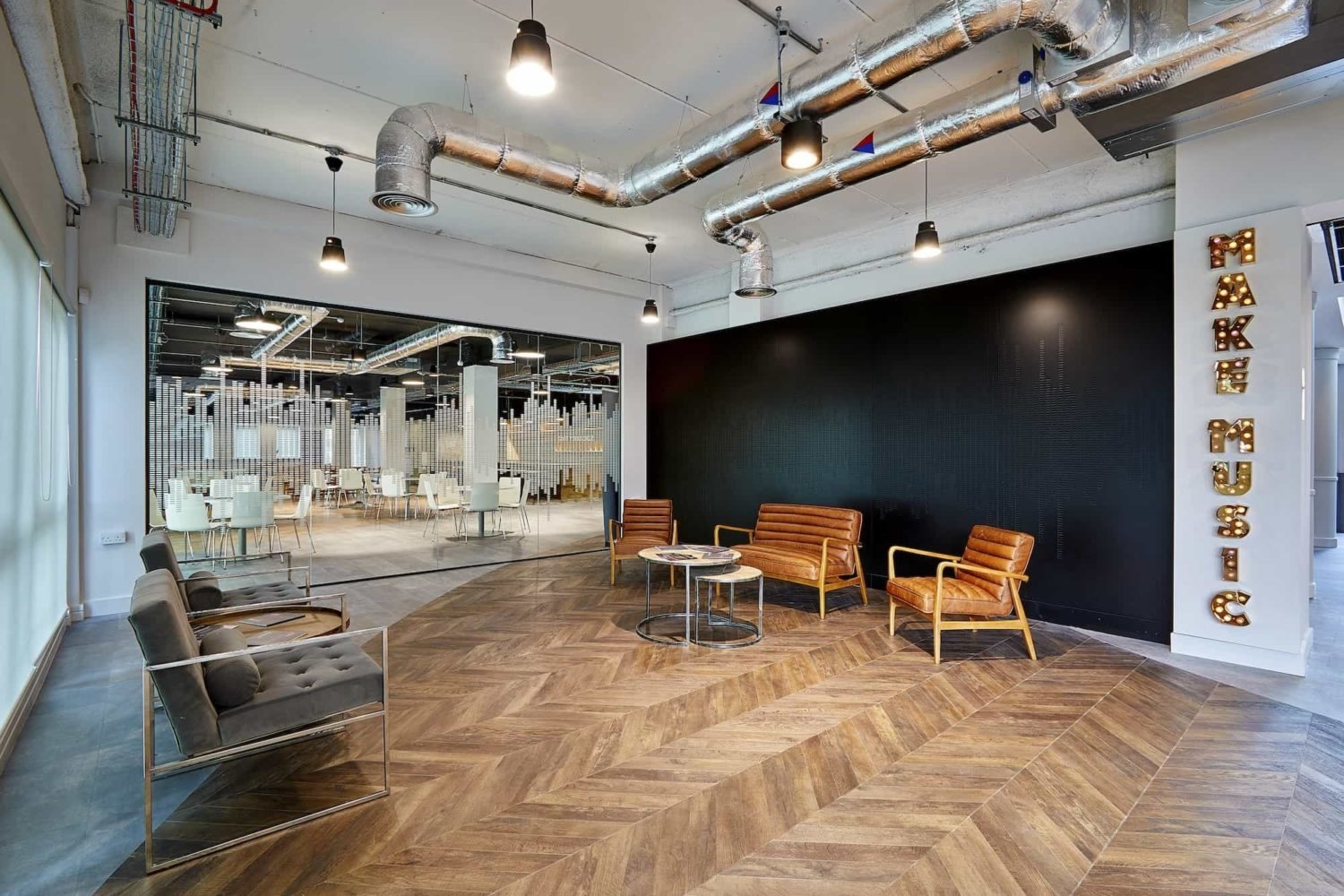 Resonance exposed services fit out