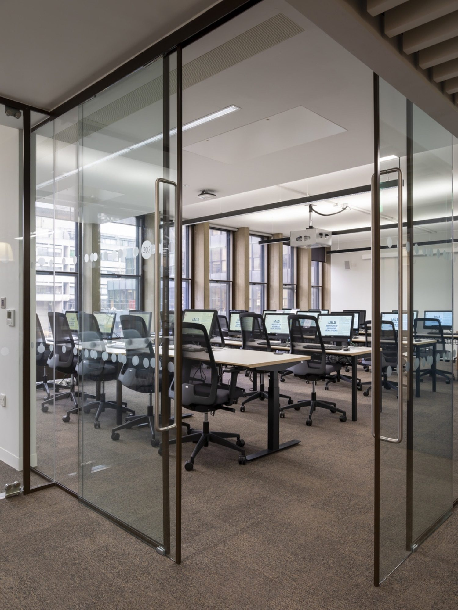 University of London computer lab fit out