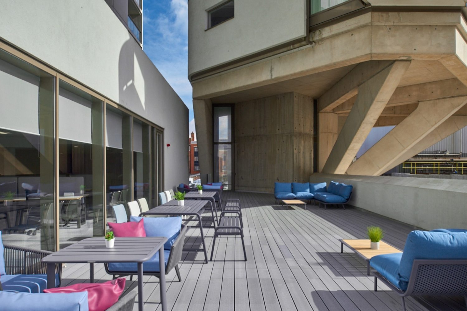 Finastra outdoor breakout space fit out